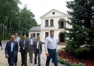 Экскурсия по Межигорью: Утром Янукович бегает по пенькам, а в камине у него завелись совы