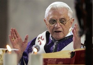 СМИ обвинили Папу Римского в покрывании педофила