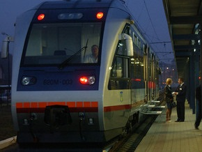 Укрзалізниця призвала пассажиров воздержаться от поездок в Венгрию