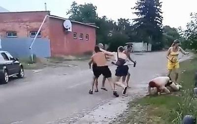 Поліцейські в п яній бійці стріляли в трьох людей на Житомирщині