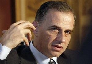 Соперник Бэсеску оспорил результаты выборов в Румынии в Конституционном суде