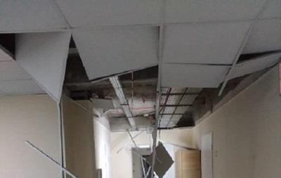 На Сумщине в больнице после ремонта обвалился потолок