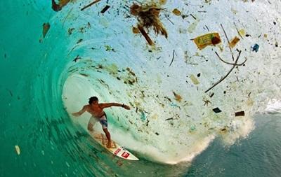 В Черном море вдвое больше мусора, чем Средиземном