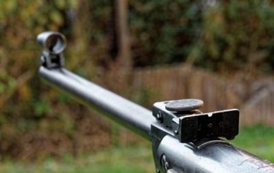 Подросток ранил себя из винтовки, а копам рассказал о неизвестном стрелке