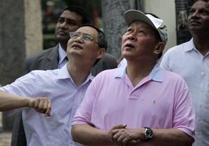 Министр обороны Китая оставил пилотам почти две тысячи долларов чаевых