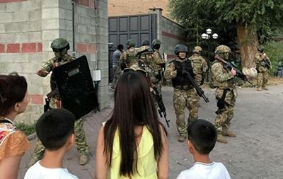 У Киргизстані затримали експрезидента. 18+