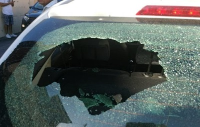 В Риме аварийно сел самолет: обломки повредили несколько авто