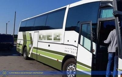 Два жителя Кадиевки незаконно перевозили пассажиров в ОРДЛО