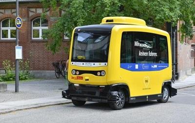 В Берлине запустили микроавтобус без водителя
