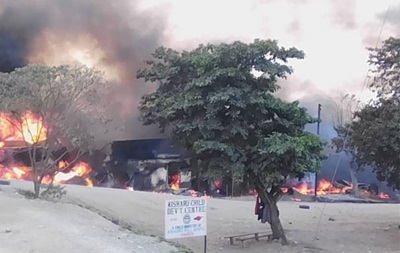 В Уганде взорвался бензовоз, не менее десяти жертв