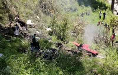В Індії розбився вертоліт з гумдопомогою