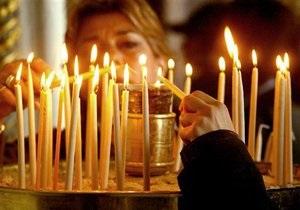 Испанский собор предлагает верующим зажигать электронные свечи по телефону