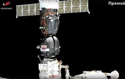 Союз з роботом на борту з другої спроби пристикувався до МКС