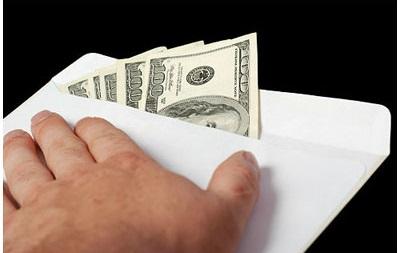 В Херсонской области чиновникам прислали взятку по почте
