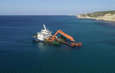 У берегов Турции тонет судно