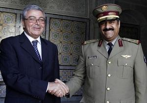 По причине  неясности  в стране министр обороны Туниса ушел в оставку