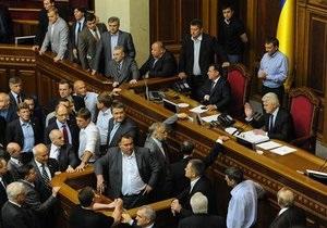 Кириленко предложил внести в языковой законопроект 122 поправки