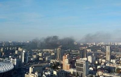 Пожар в центре Киева: горит офисное здание