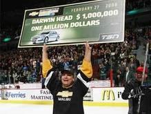Канадский лесоруб стал миллионером на хоккейном матче