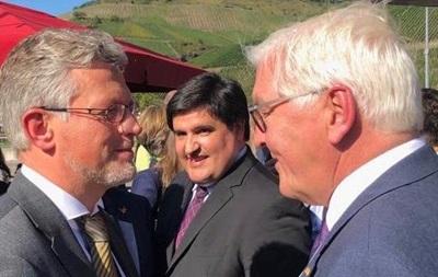 Штайнмайер прокомментировал инициативы Зеленского по Донбассу