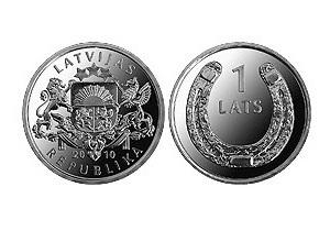 Банк Латвии выпустил монеты с изображением подковы