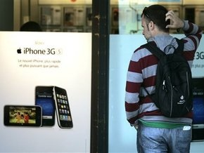 За первые выходные Apple продала более миллиона новых моделей iPhone