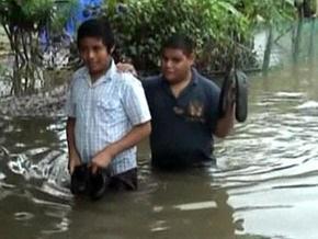 Сильнейшее наводнение в Мексике оставило без крова более 40 тыс. человек