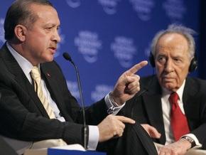Турецкий премьер-министр демонстративно покидает Давос