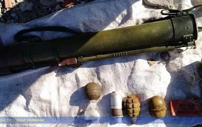 На Луганщине нашли два тайника с оружием сепаратистов 'ЛНР'