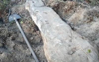 У Вінницькій області знайшли стародавню стелу