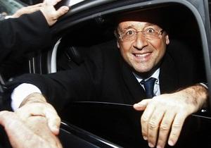 Охранник Олланда уволен после того, как в Бразилии телохранители оказались без оружия