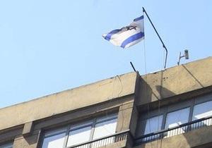 С посольства Израиля в Каире сбросили флаг еврейского государства