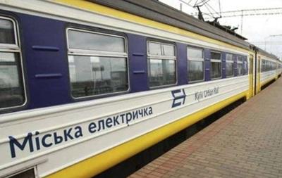 Укрзалізниця і Київпастранс посварилися у Facebook через електричку