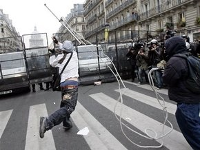 Французские студенты разгромили Монмартр