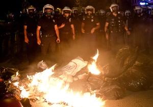 В Стамбуле полиция на 10 минут вошла в парк, где базируются протестующие