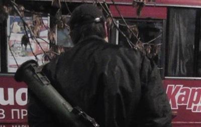 По Харькову гулял пьяный мужчина с тубусом от гранатомета