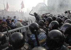 В России за избиение полицейских на Болотной задержан кандидат наук