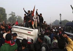 На акции протеста в Нью-Дели постадали более 140 человек