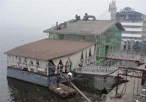 Плавучие рестораны в Киеве планируют переместить к мосту Патона и островам Жуков и Галерный