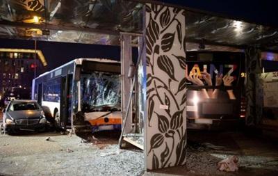 В Германии автобус протаранил толпу, есть жертвы