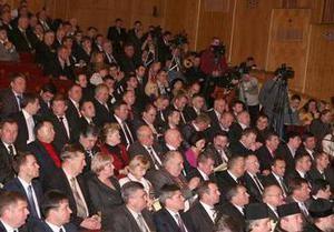 Ивано-Франковский облсовет, в том числе фракция ПР, требуют от Януковича ветировать Налоговый кодекс