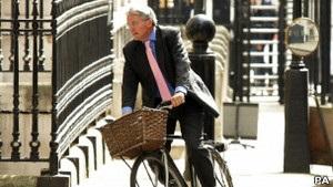 Британский политик ушел в оставку из-за нецензурных слов