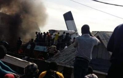 Появились фото и видео крушения самолета в Конго