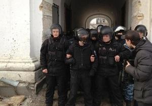 В милиции заявили, что все задержанные участники беспорядков в Гостином дворе отпущены
