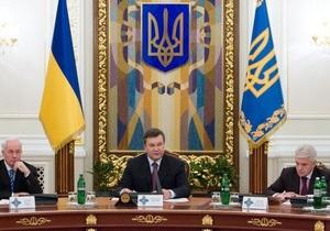 Янукович призвал Кабмин активизировать сокращение разрешительных процедур