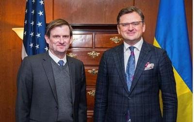 Кулеба обговорив з заступником держсекретаря США дію нормандської зустрічі
