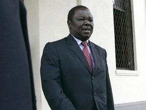 Премьера Зимбабве выписали из больницы после ДТП