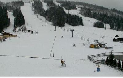 В Карпатах начал падать снег