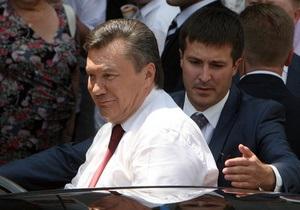 Янукович отправился в Туркменистан