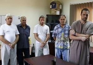 МИД: У плененных в Ливии украинцев есть кондиционеры и спортзал